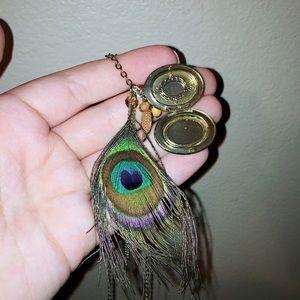 Locket peacock necklace💙